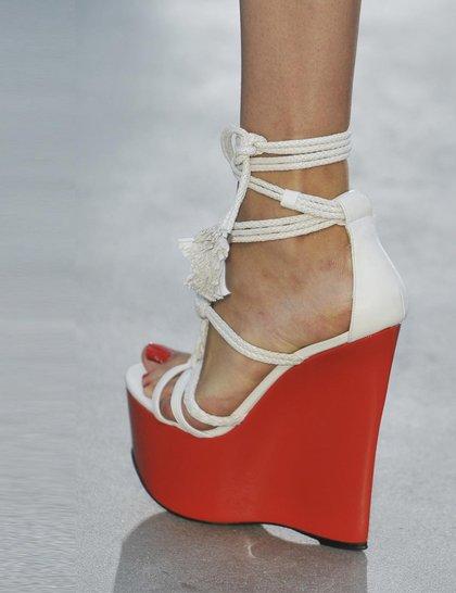 l-wren-scott-red-white-wedge-lfw14
