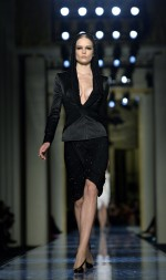 Atelier-Versace-Haute-Couture-Spring-2014-04