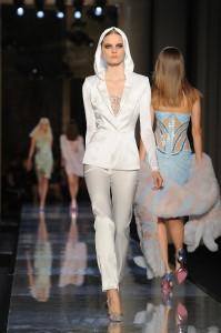 Atelier-Versace-Haute-Couture-Spring-2014-07