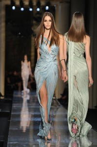 Atelier-Versace-Haute-Couture-Spring-2014 -24