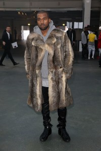Kim-Kardashian-Kanye-Paris-Chic-08