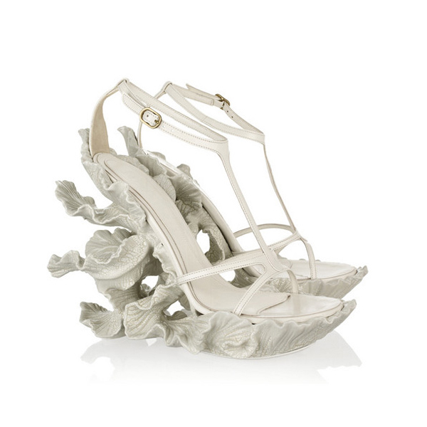 alexander-mcqueen-sculpture-shoes