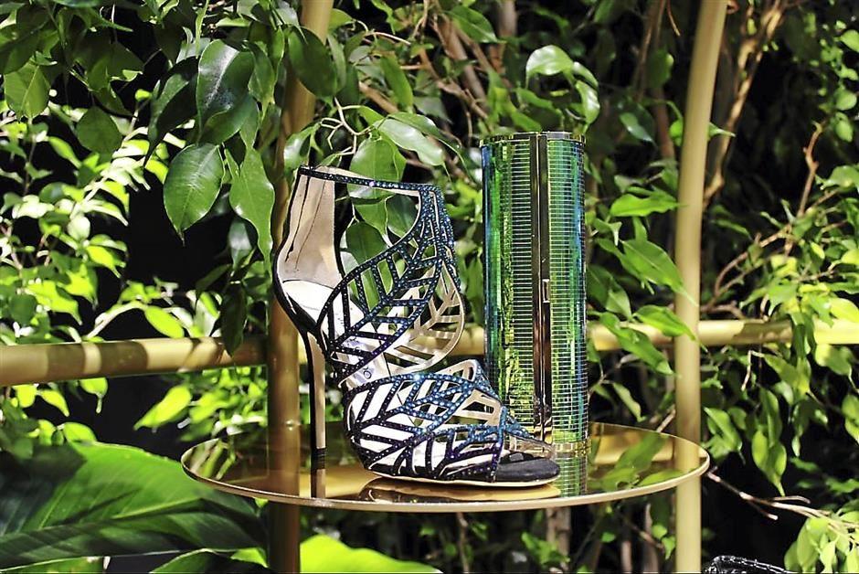 10 Best Shoe Designs In Floral & Leaf Trend