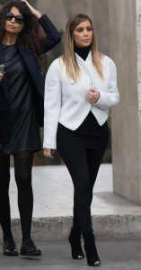 Kim Kardashian Visits Museums In Paris