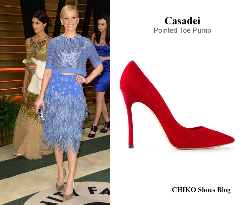 elizabeth-banks-at-vanity-fair-oscars-party-Casadei-pumps
