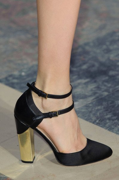 Elie saab shoes at haute couture spring 2015 for Haute couture shoes