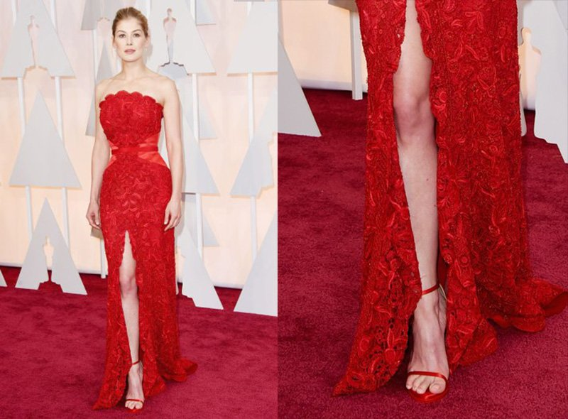 rosamund-pike-oscars-2015-red-carpet-shoes
