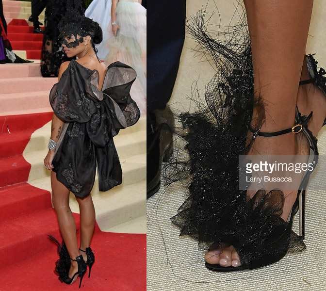 zoe-kravitz-met-gala-2016-red-carpet-shoes