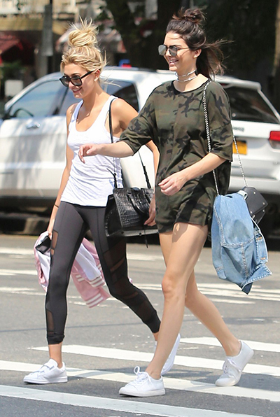 hailey-baldwin-kendall-jenner-white-shoes