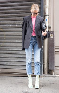 Models-Off-Duty-Looks-Shoes-Haute-Couture-Fall-2016 (1)