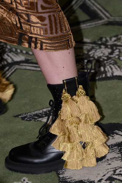 Burberry shoes fall winter 2016