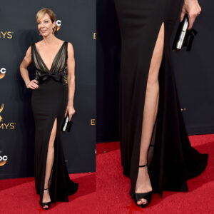 allison-janney-badgley-mischka-emmy-2016-shoes