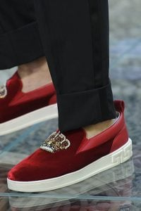 Versace men shoes spring 2018 are catering to the brands new customer groups of the Millennials.