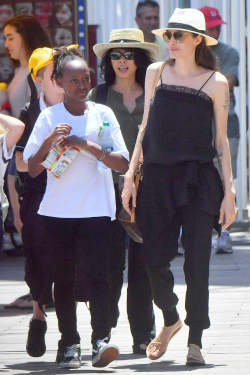 Angelina Jolie Flat Sandals Are So Versatile Chiko Shoes