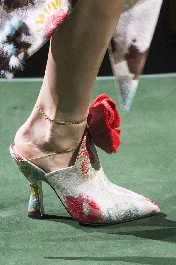 Embellished shoes Fendi couture fall 2017
