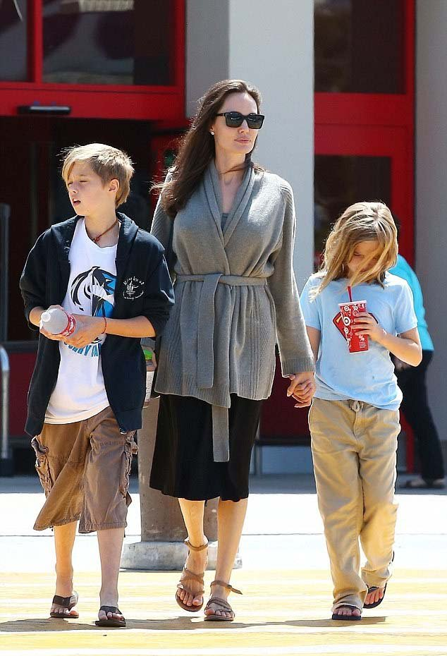 Angelina Jolie Flat Sandals Shopping Style Chiko Shoes