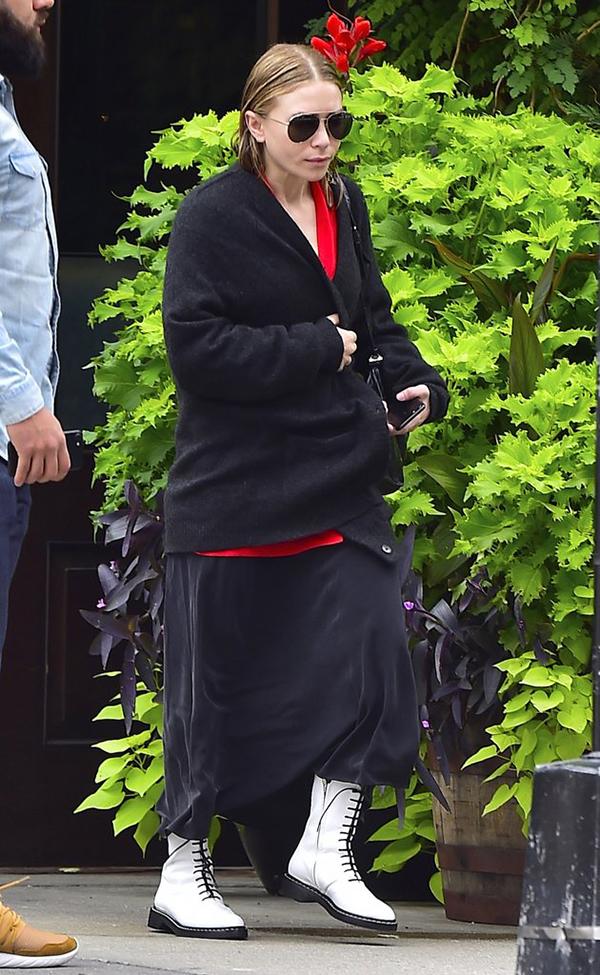 Mary-Kate Olsen Street Style