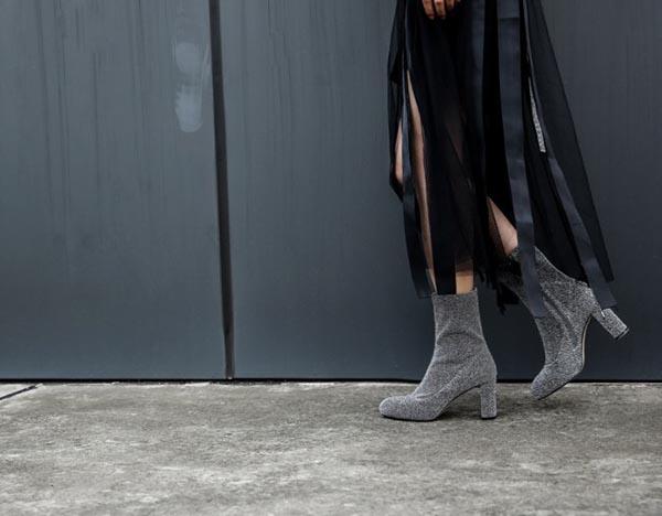wear glitter boots like style stars