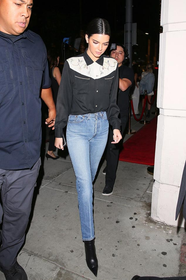 kendall-jenner-street-style-boots