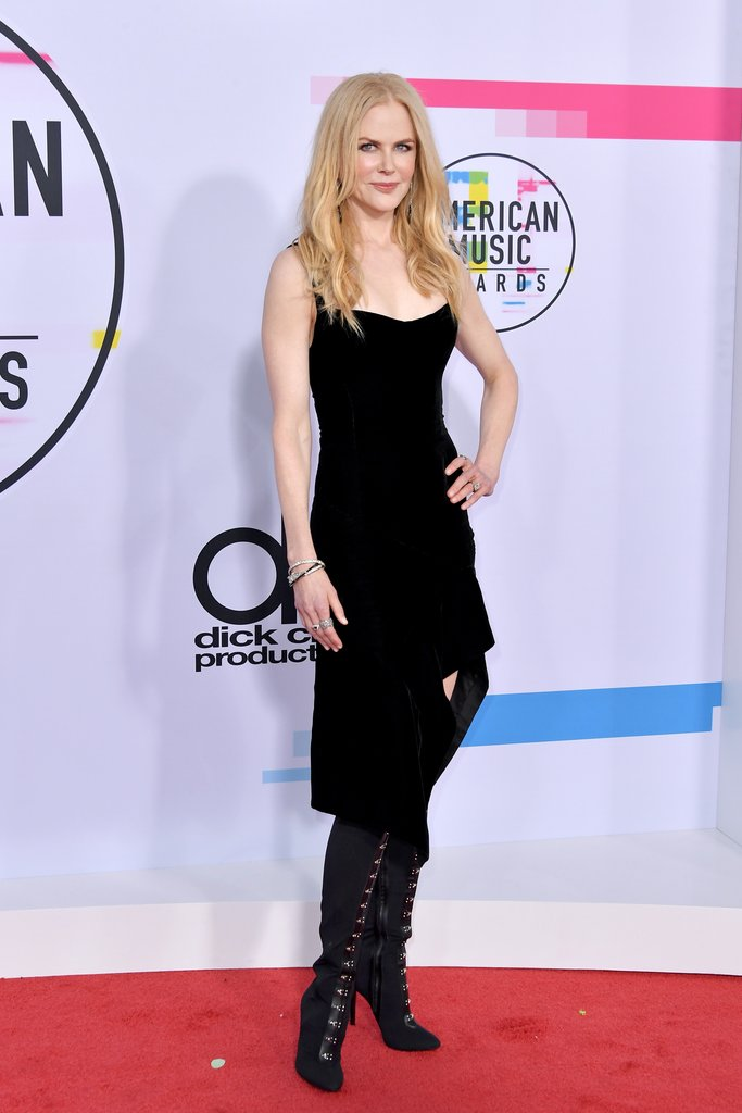 Nicole-Kidman-shoes-American-Music-Awards-2017