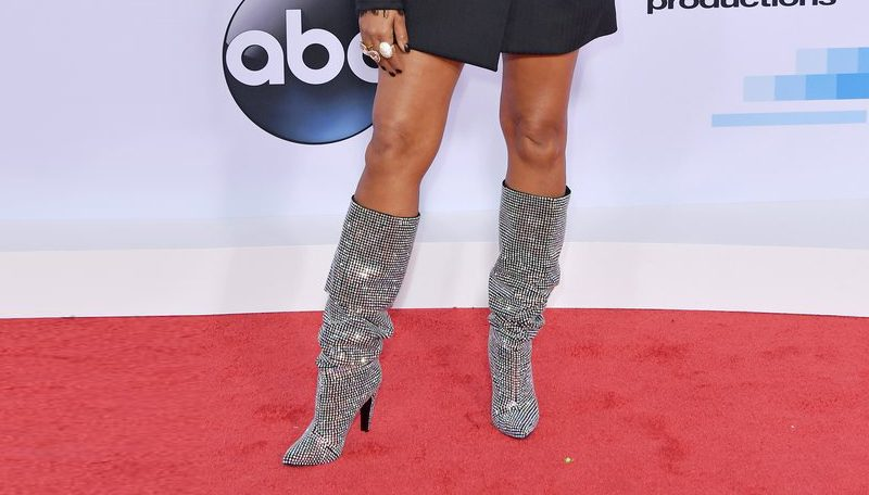 Red carpet shoes American Music Awards 2017