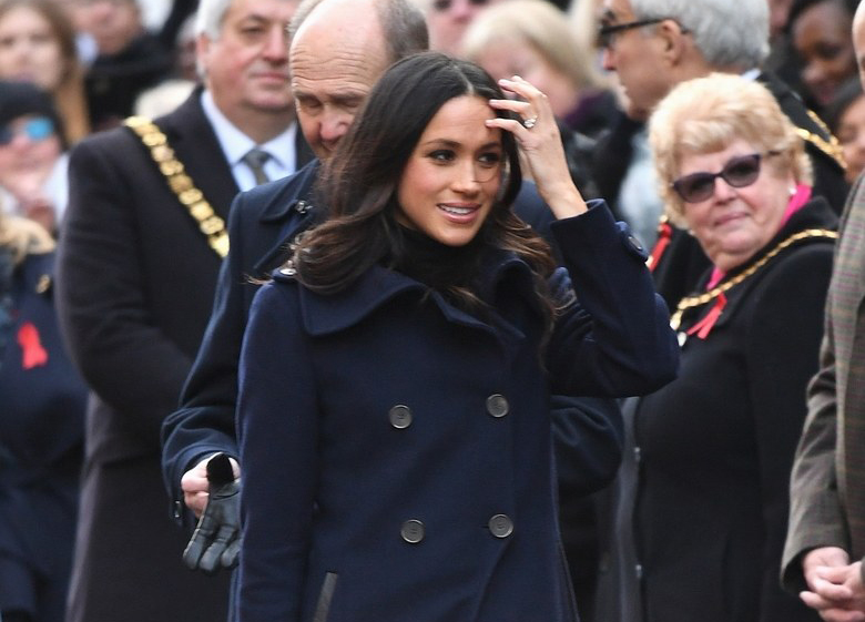 Meghan Markle slouchy boot style