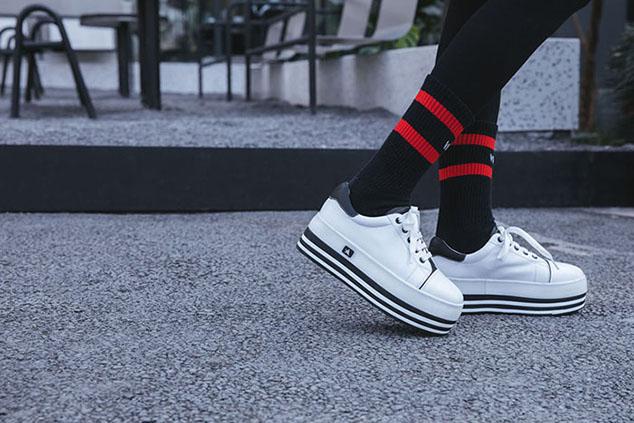 sock trend street styles