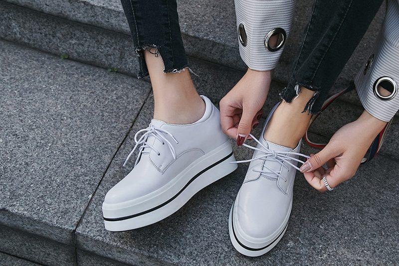 White shoe trend spring 2018