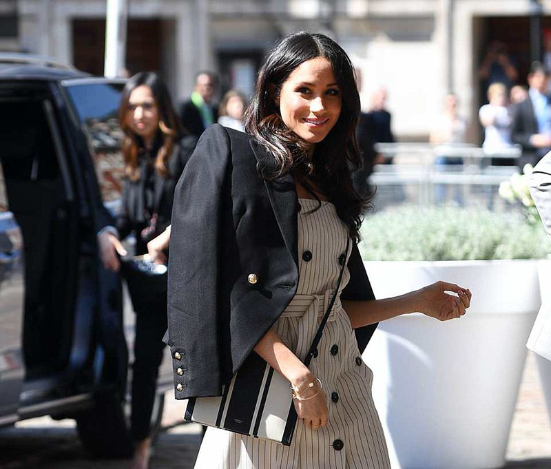 Meghan Markle pointy toe pumps style
