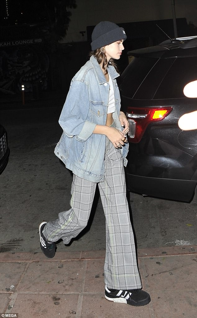 Kaia Gerber dad sneaker style