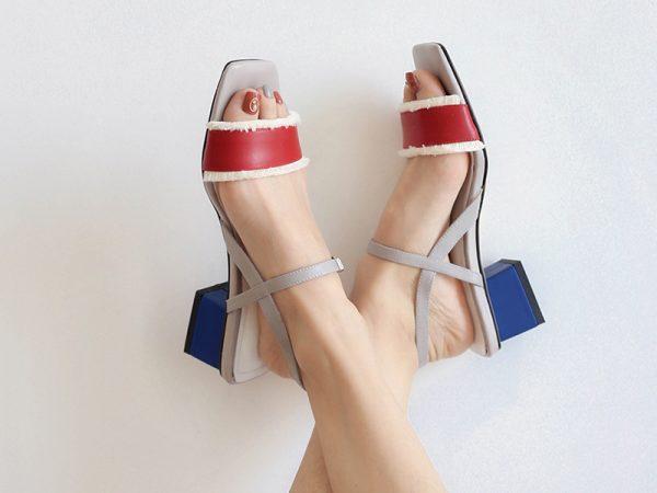 strap sandals shoe trend