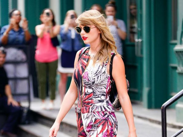 Taylor Swift summer boots style