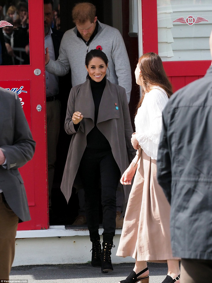 Meghan Markle boots styles