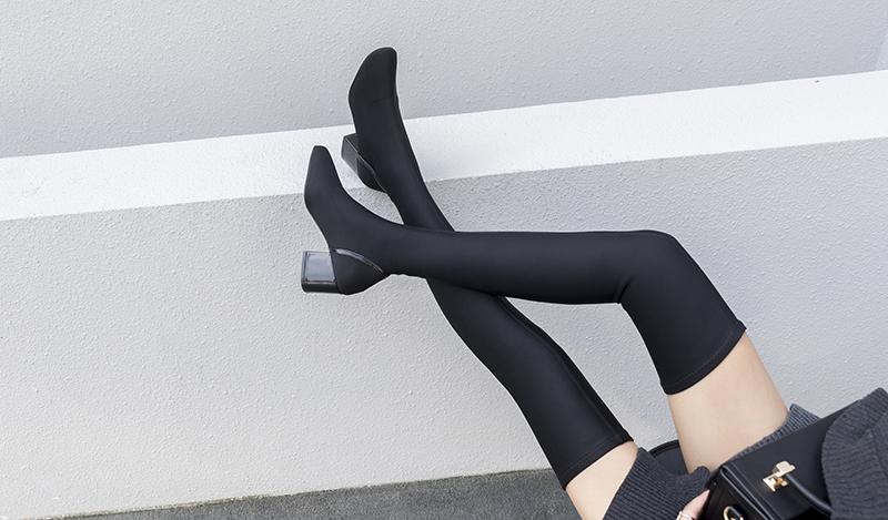 square toe shoe trend