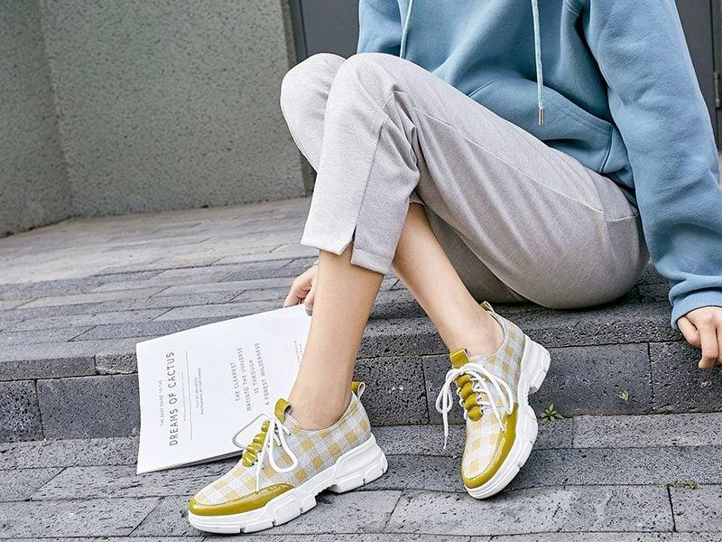 chunky platform sneaker trend