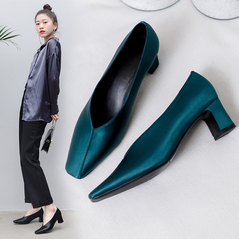 FAIRLEE SQUARE TOE GLOVE SHOE PUMPS
