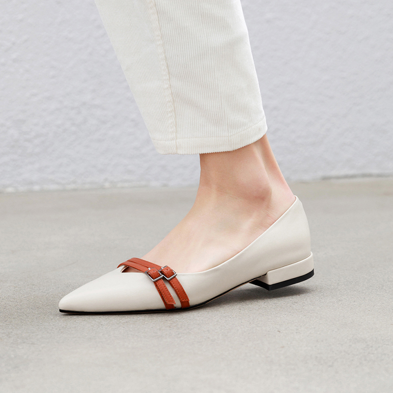 ERNESTINA MARY JANE PUMPS