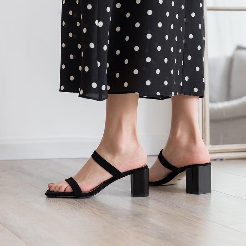 Minimalist string sandals trend