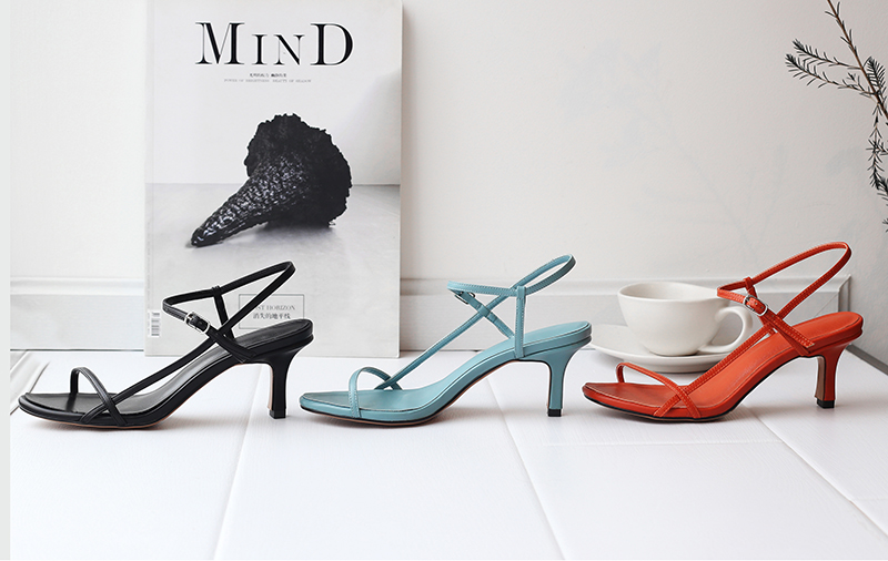 strappy sandals trend