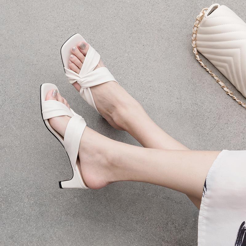 summer sandals trend