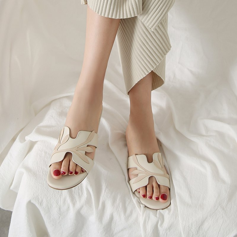 LYSA SQUARE TOE BLOCK HEELS SANDALS