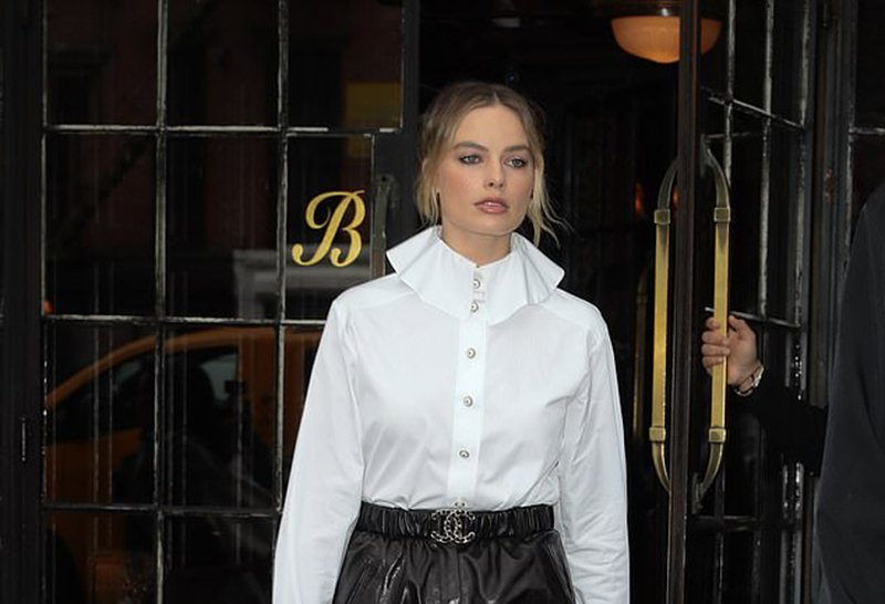 Margot Robbie square toe mules shoes