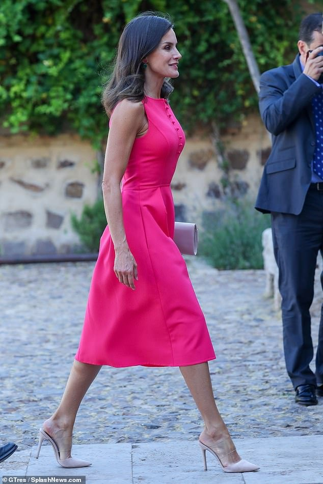 Spanish Queen Letizia transparent shoes style