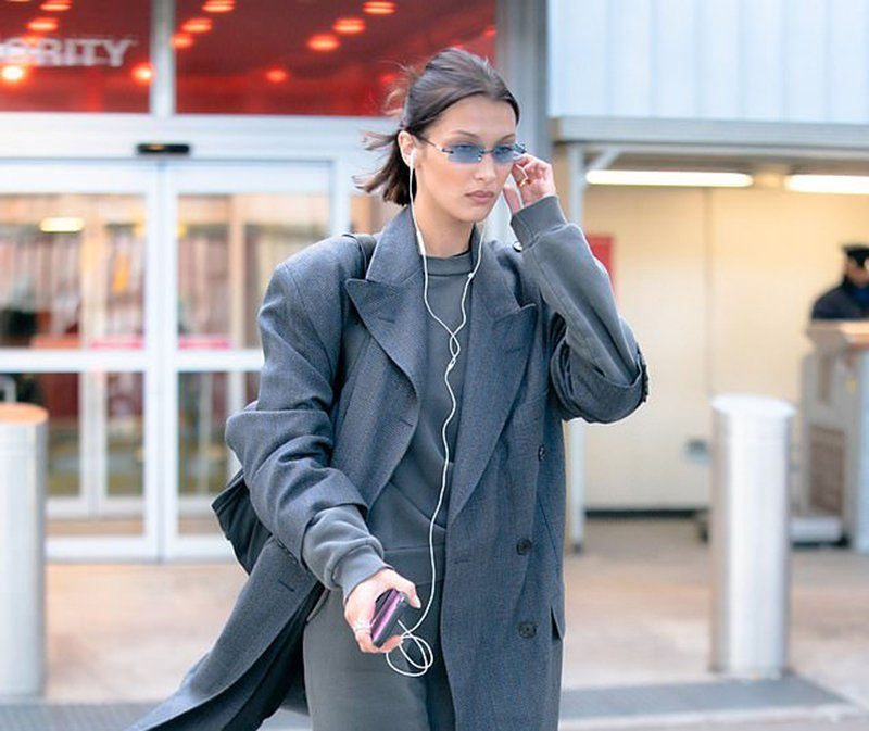 Bella Hadid platform shoes style