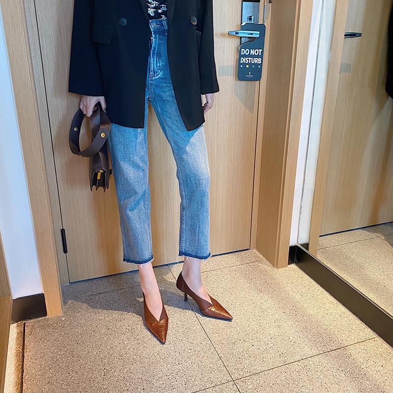 Chiko Nerissa Pointed Toe Kitten Heels Pumps