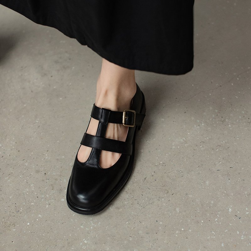 Chiko Taija Square Toe Block Heels Pumps