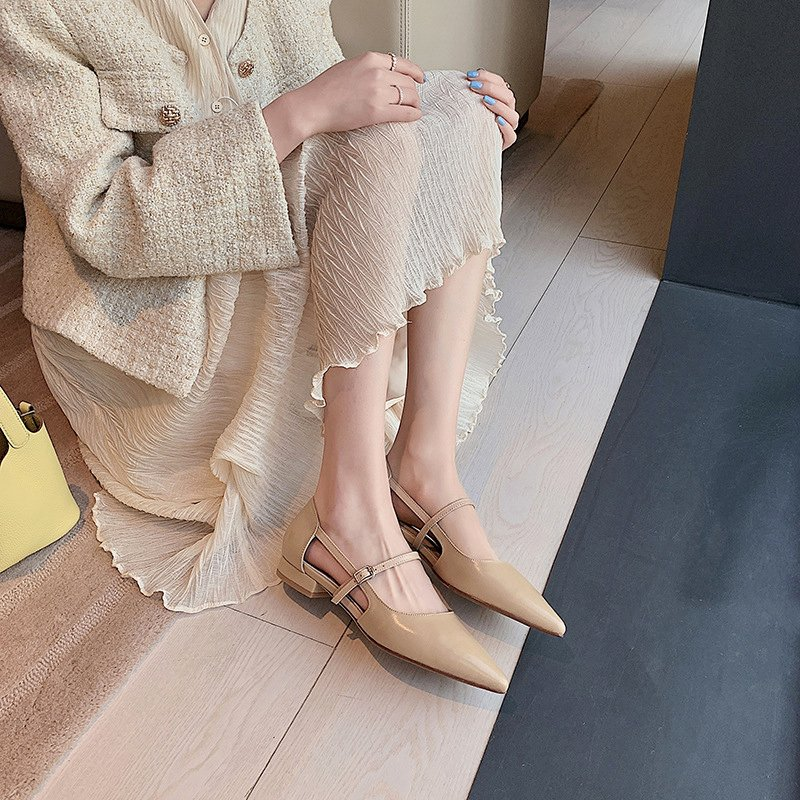 Chiko Venecia Pointed Toe Block Heels Pumps